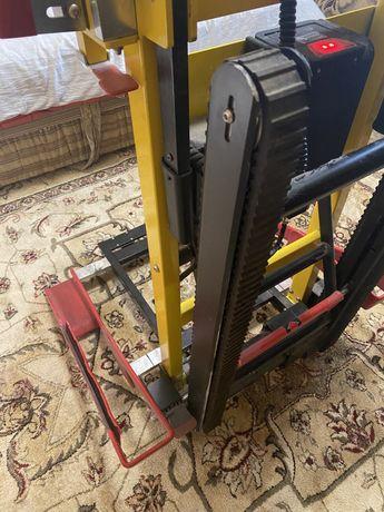 Спусковое электрическое устройство для инвалидов