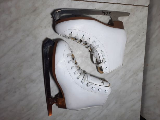 Patine gheata 204 patinaj artistic DBX marime eu 35 ( 22,5 cm)