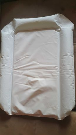 Надуваема подложка за смяна на пелени
