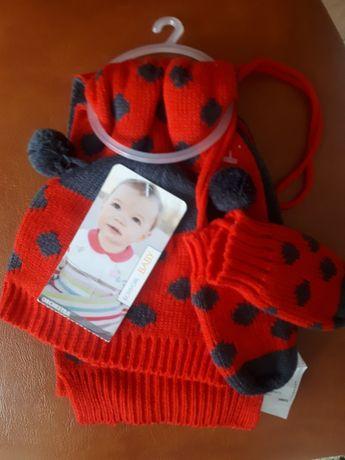 Buburuza miraculoasa - Set caciula, fular , manusi - nou nascuti