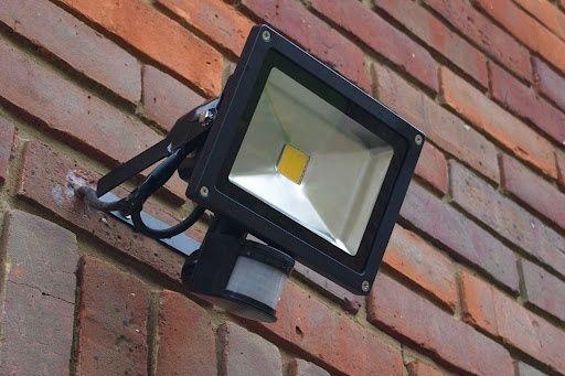 Электромонтажные работы по уличному освещению