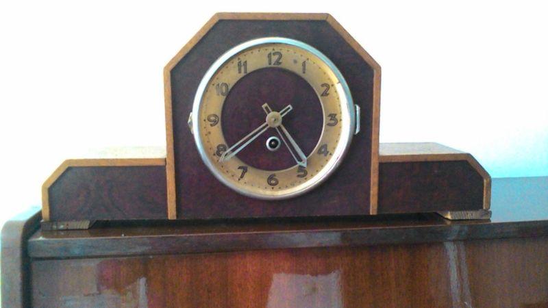 продавам антикварен часовник гр. София - image 1