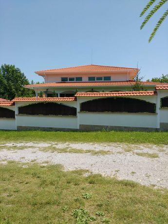 Къща в средиземноморски стил