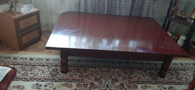 продам стол со съёмными ножками