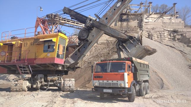 Доставка Песок , Сникерс, щебень,отсев , камень, глина КАМАЗ 15 тонн