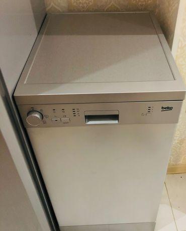 Посудомоечная машина Beko 05012S, отдельно стоящая, узкая