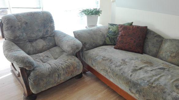 Диван, фотьойл и старинна лежанка