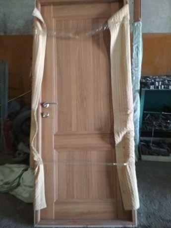 Продам деревянные двери