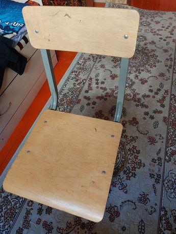 Сабақ оқитын стол