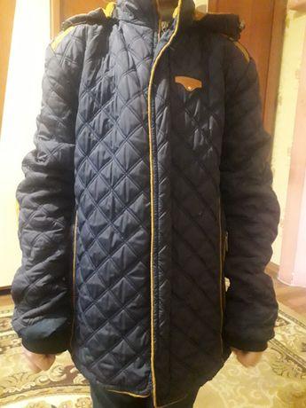 Куртка на 12-14 лет.