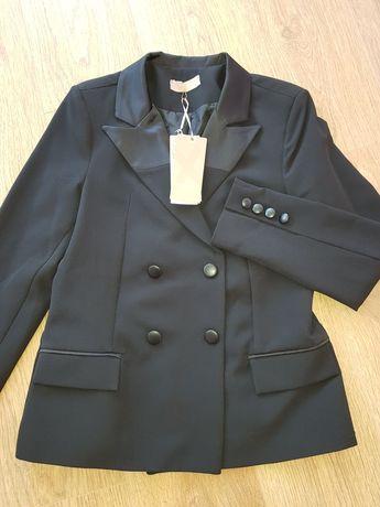 Ново черно елегантно сако NOIX