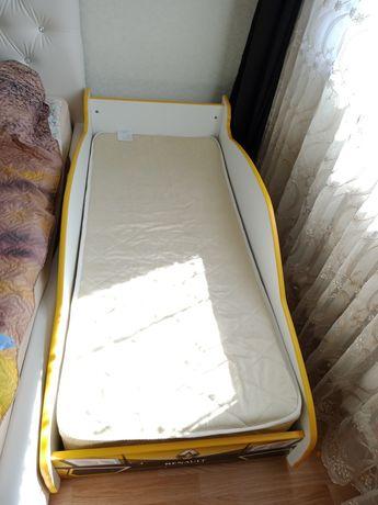 Кровать машинка детская