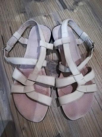 Дамски сандали естествена кожа