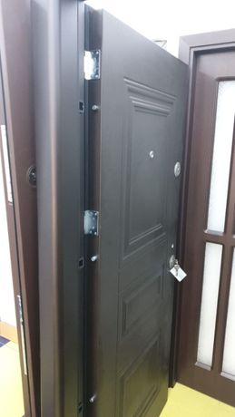 Usi metalice de exterior/curte Mega Door 1850 lei