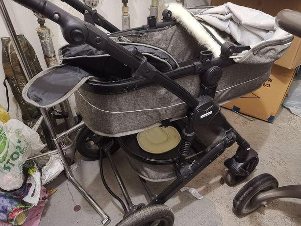 Продам детскую коляску люлька
