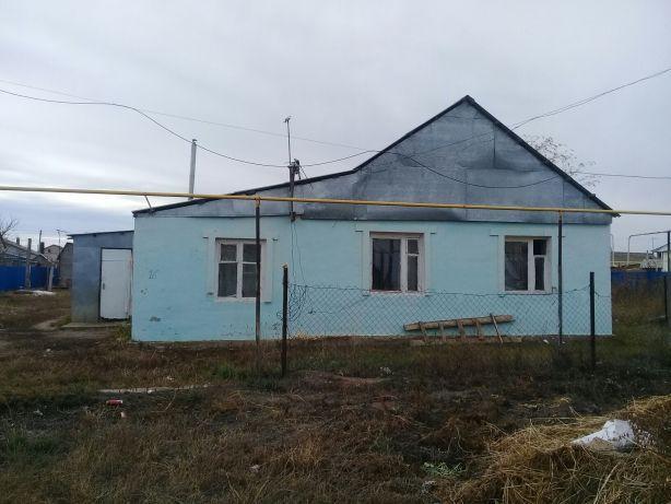Сдается часный дом в районе старый аэропорт комната с кухней совм.прож
