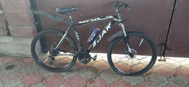 Продам велосипед отличного состояние на ходу всё работает доставка буд