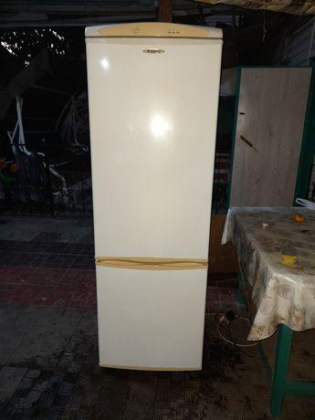 Холодилтник б.у Nansa