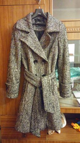 Пальто весеннее 42 размер