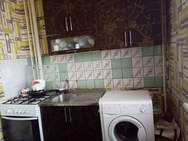 продам кухонный гарнитур бу за 25 000 полный комплект 5 шкафчиков