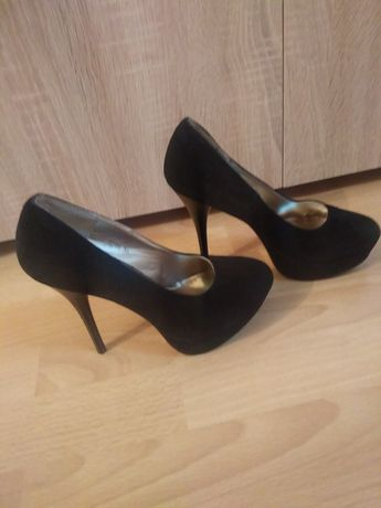 Велурени обувки 35 размер