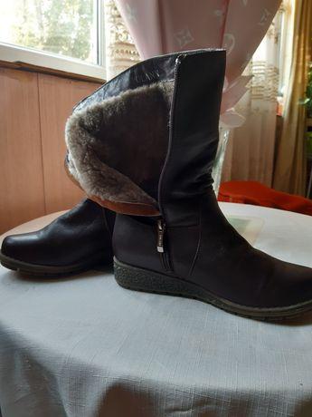Продаются сапоги зимние 37размера, коричневые, кожаные, мех натуральны
