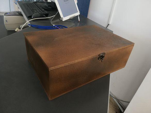 Сандъци, кутии, скринове
