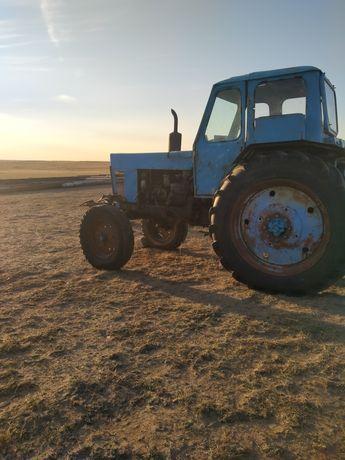 Трактор сатамын.