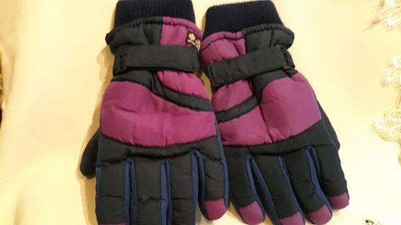 Дебели ръкавици от плат и кожа в лилаво