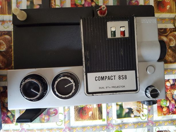 Aparat proiecţie DUAL Compact 8S8 Hong Kong funcţional