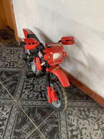 Motociclata electrica copii