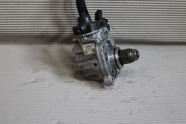 Pompa Inalte Audi A4, A5, A6 4G, A7 A8 4H cod 059130755CB
