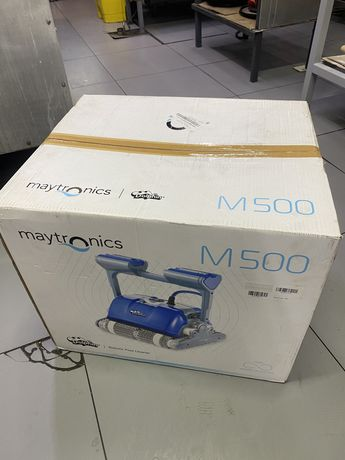 Robot Maytronics M500 for pools cleaning
