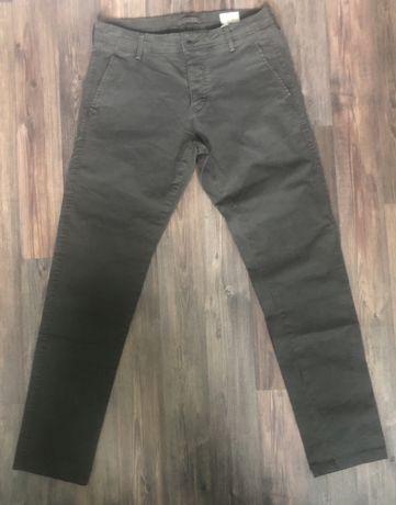 Нов спортно елегантен панталон тип чинос slim/fit на Selected Homme