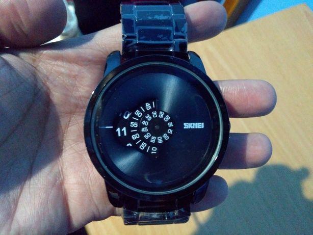 Ceas Skmei, diametru 52 mm,analog ,negru mat, curea metalică