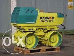 Inchiriez Rammax cilindru compactor picior de oaie cu telecomanda