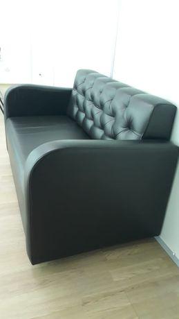 Кожаный диван для офиса