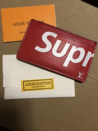 Чисто нов портфейл Supreme x Louis Vuitton