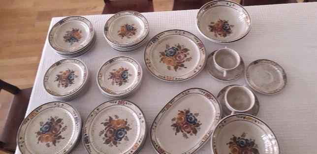 Serviciu de masa pentru 14 persoane din ceramica, rustic si frumos