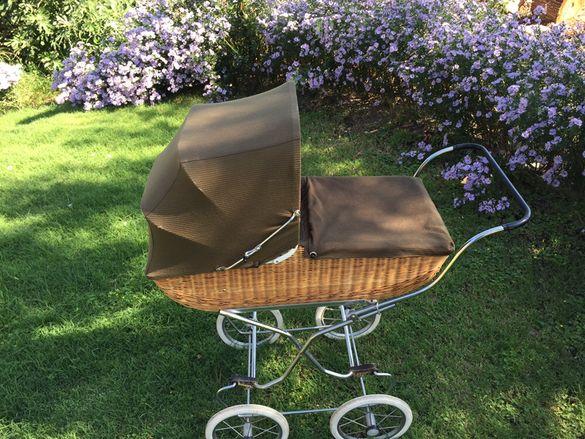 детска количка от ратан