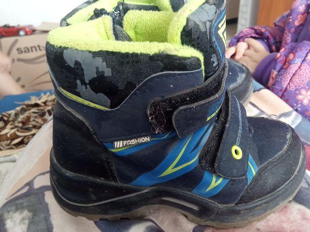 Продам или меняю ботинки осенние