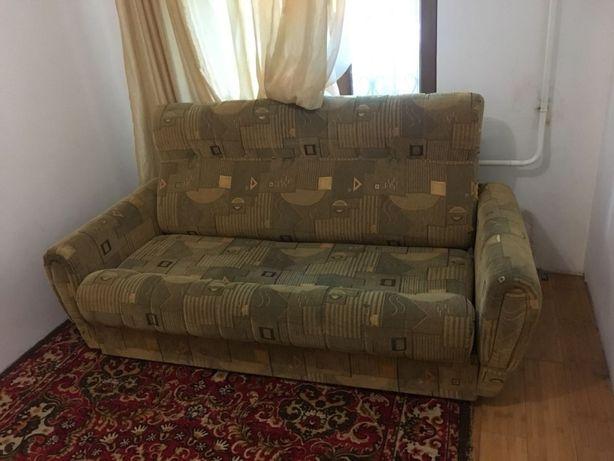 Продам диван-кровать и два кресла