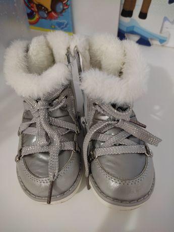 Продам детскую обувь для девочек