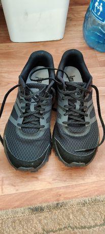 Adidasi alergare