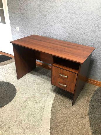 Продается стол письменный