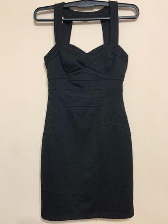 Черна рокля с цип на гърба, размер S