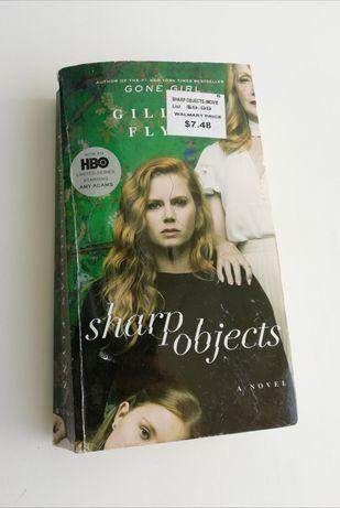 Книга Sharp objects Gillian Flynn на английском языке