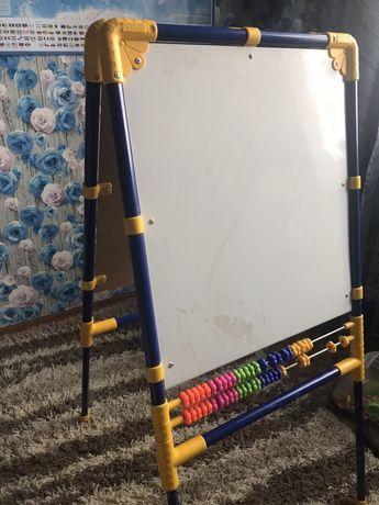 Продам детскую магнитную доску для рисования