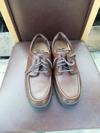 Vand pantofi barbati marca Clarks 42