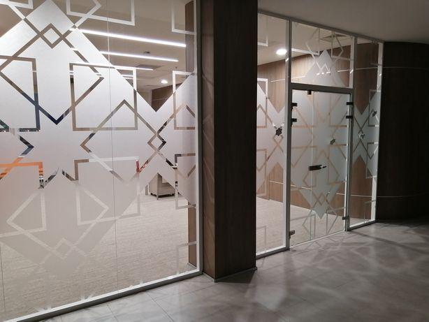 Перегородки, офис, бутик, цельно стеклянные, алюминиевые, всех видов.